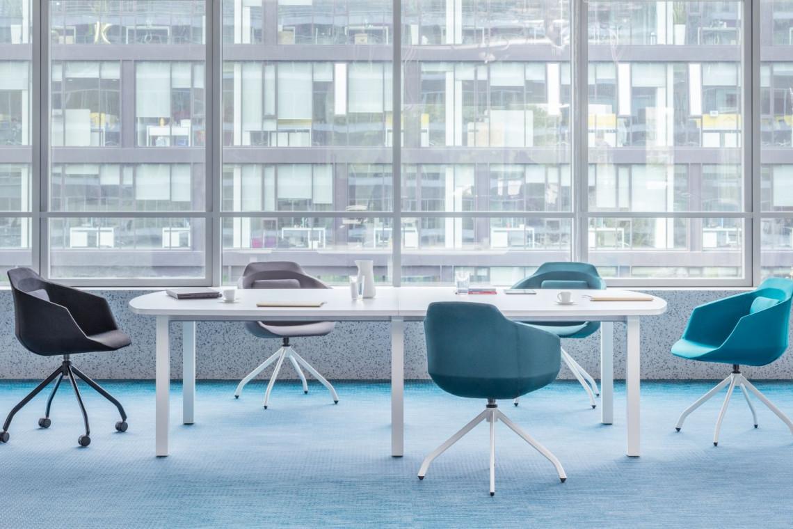 Trzy ciekawe propozycje krzeseł do biur