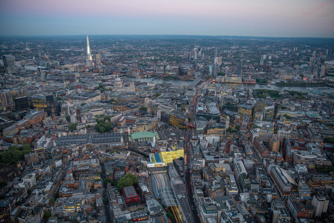 Farringdon West w Londynie – budynek powstanie tuż obok linii kolejowej Crossrail