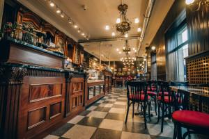 Madrycka podróż w czasie w nowej kawiarni Green Caffè Nero