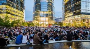 Kino letnie na placu Europejskim. Zaskakujące pożegnanie