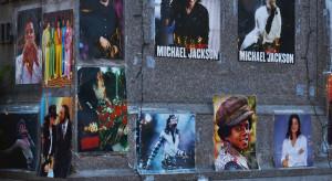 Uczczono 60. rocznicę urodzin Michaela Jacksona. Powstał... jednodniowy pomnik