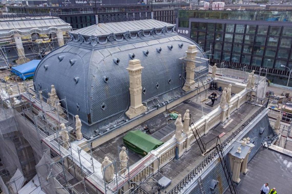 Pałac Poznańskich w szacie sprzed stu lat