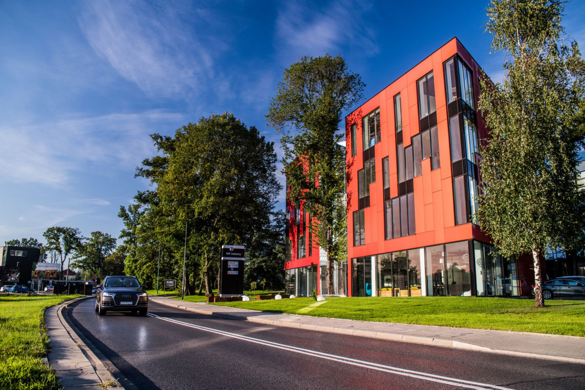 Tree House Office w Krakowie już gotowy. To projekt Karpiel Steindel Architektura