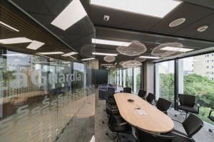 Wyjątkowy biurowiec musiał mieć innowacyjne oświetlenie. Spark znów zaskoczył