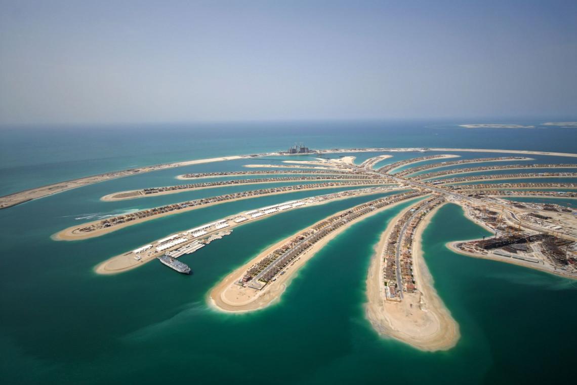 W Dubaju powstał... pływający Carrefour