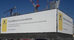 Billboard będący zarazem filtrem powietrza? Tak, to możliwe w... centrum Warszawy