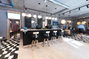 Salon obsługi klientów niczym kawiarnia? Tak, to możliwe w Poznaniu!