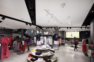 W projekcie salonu sprzedaży liczy się suma wrażeń przestrzeni, designu i ergonomii