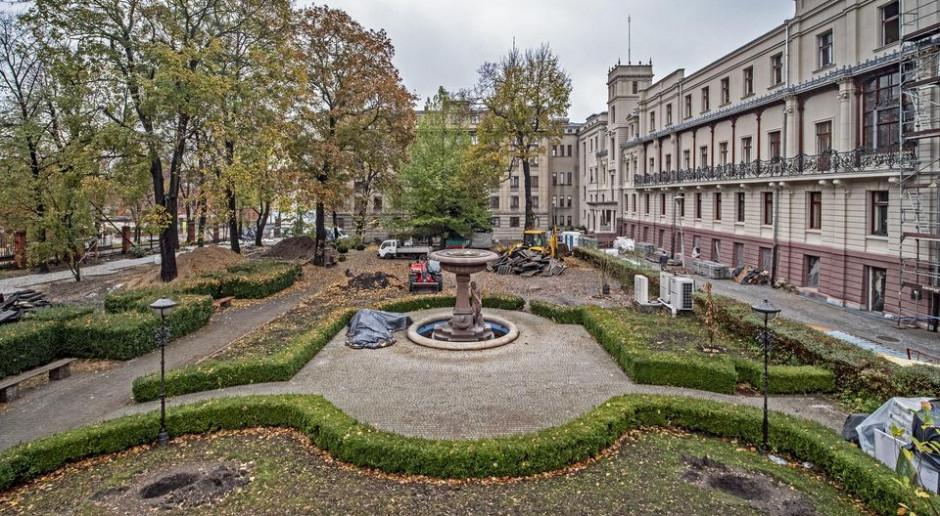 Ten ogród jest jednym z najpiękniejszych i najstarszych w Łodzi. Właśnie odzyskuje blask
