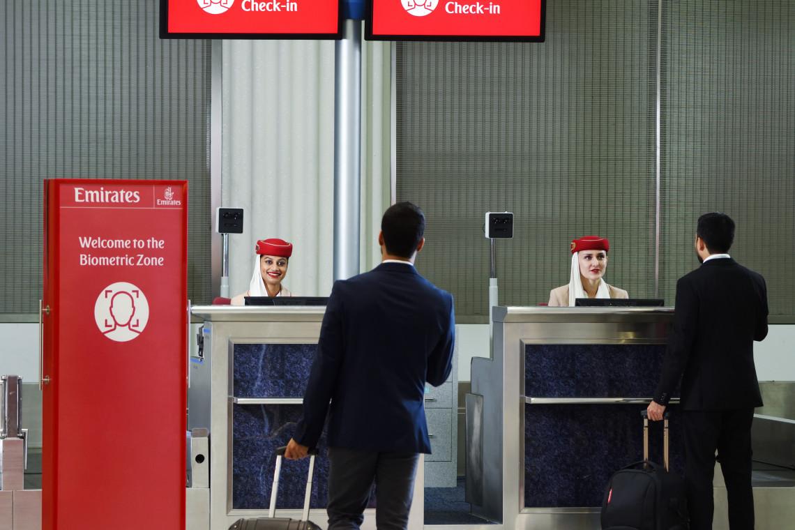 """Pierwsza na świecie """"ścieżka biometryczna"""". Wyznacza nowe standardy obsługi klienta na lotnisku"""