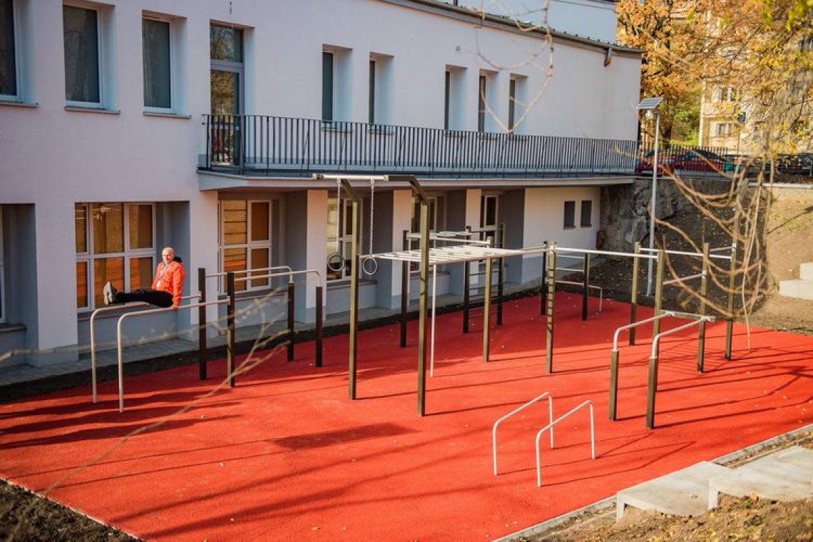 Łódź stawia na plenerowe siłownie dla seniorów