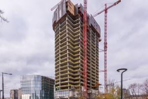 Setka Mennica Legacy Tower. Konstrukcja wieży przekroczyła 100 metrów wysokości!