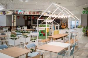 Odnowiony foodcourt w CH Bielawy. To projekt studia Tremend