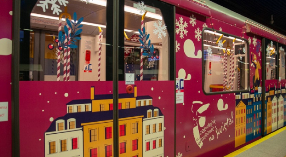 W Warszawie ruszyło świąteczne metro