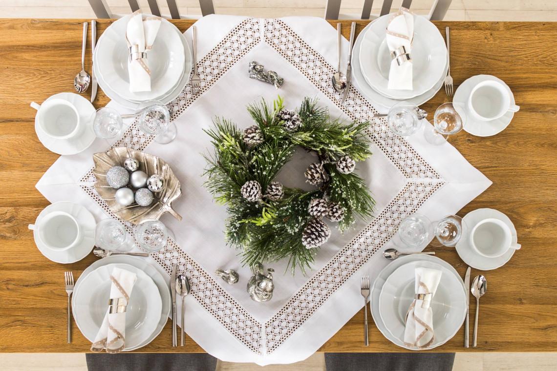 Stoliczku nakryj się, czyli jak ozdobić wigilijny stół