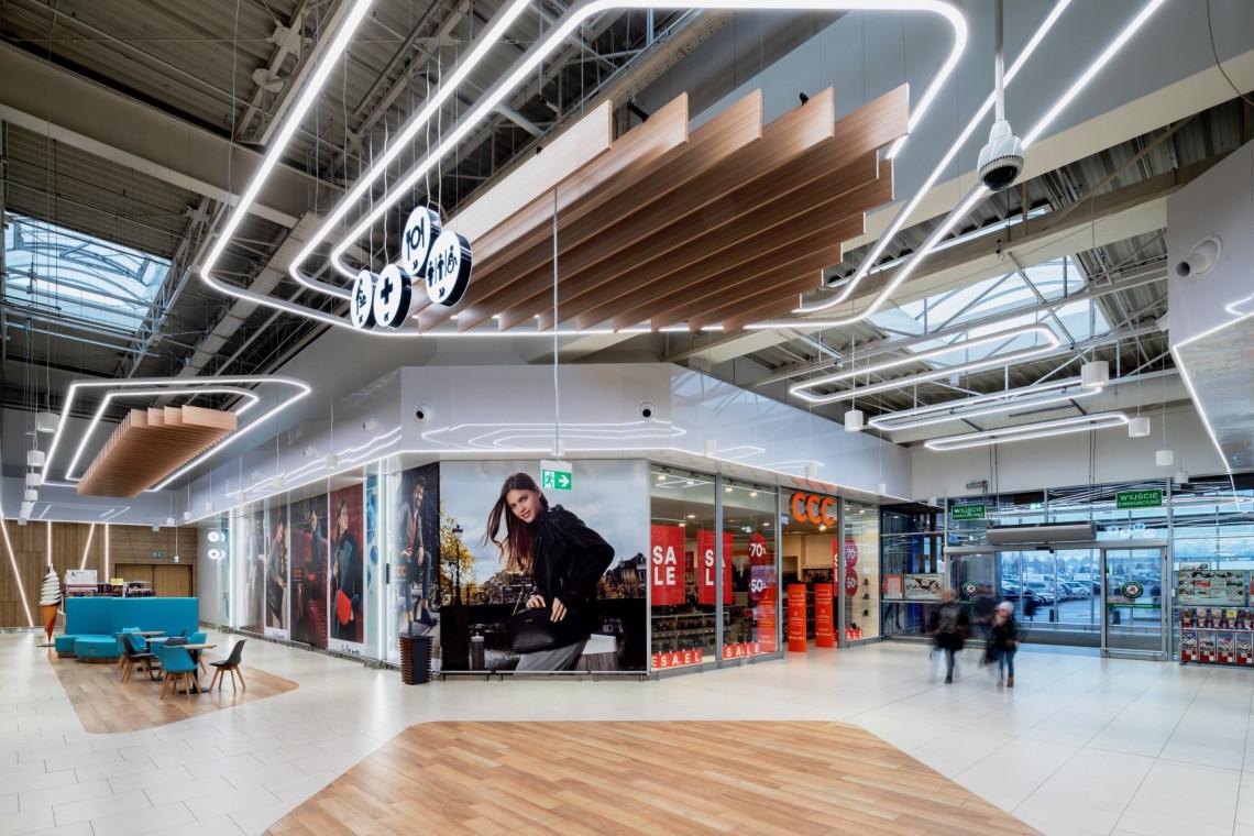CH Auchan Żory z nowymi wnętrzami autorstwa pracowni Tremend