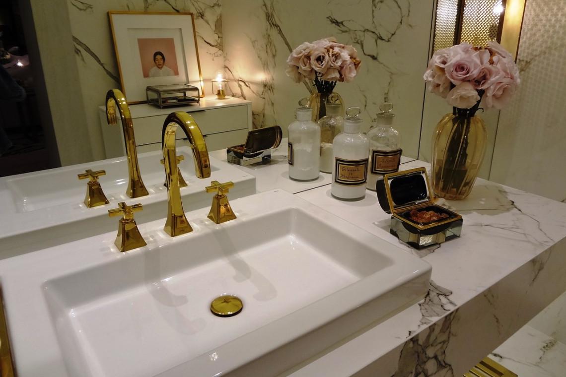 Elegancka łazienka W Stylu Glamour Wyposażenie