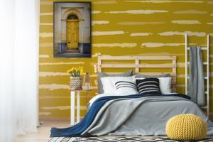 Wiosenna terapia kolorem: rebel yellow we wnętrzach