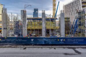 Tak rośnie Varso - najwyższy budynek w Polsce