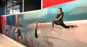 Wielkie malowanie murali w Sky Tower