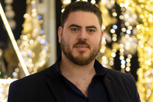 Z Tunezji do Polski w pogoni za marzeniami. Historia designera świątecznych iluminacji
