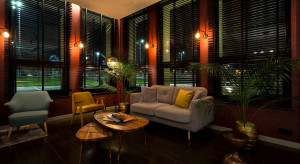 Hotel światłem malowany