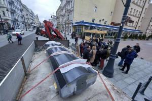 Gotowa jest już część pomnika kapitana Stefana Pogonowskiego w Łodzi