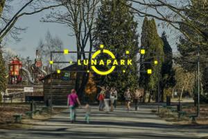Neon w rękach Łodzian! Park na Zdrowiu z artystycznym akcentem
