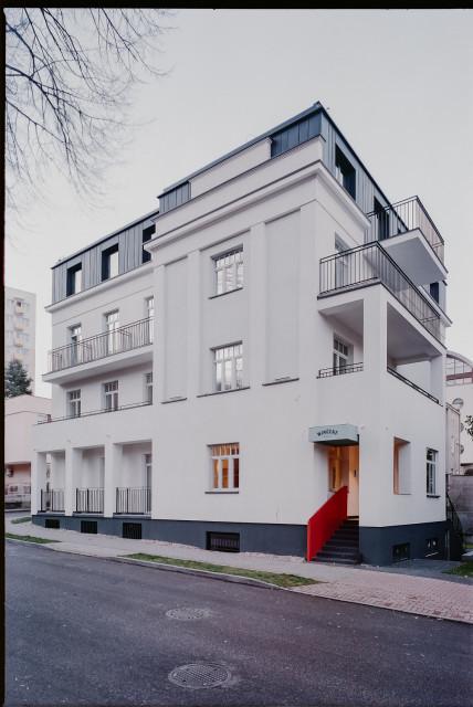 Perła gdyńskiego modernizmu odżyła. Willa Wincent niczym wystawa z najlepszym designem PRL-u