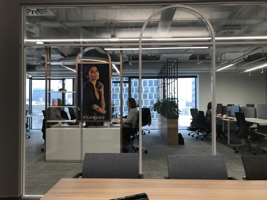 Zaglądamy do L'Oréal House Warsaw. To inspirujące biuro wspierające współpracę i rozwój