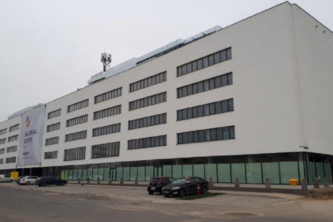 Dawna hala fabryki FSO z nowym życiem. To dzieło APP-Projekt