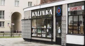 Nowe szyldy na warszawskiej Pradze