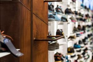 Ażurowe przegrody, metalowe elementy, drewno i górskie buty. Nowy design Taternika motywuje do wyjścia na szlak