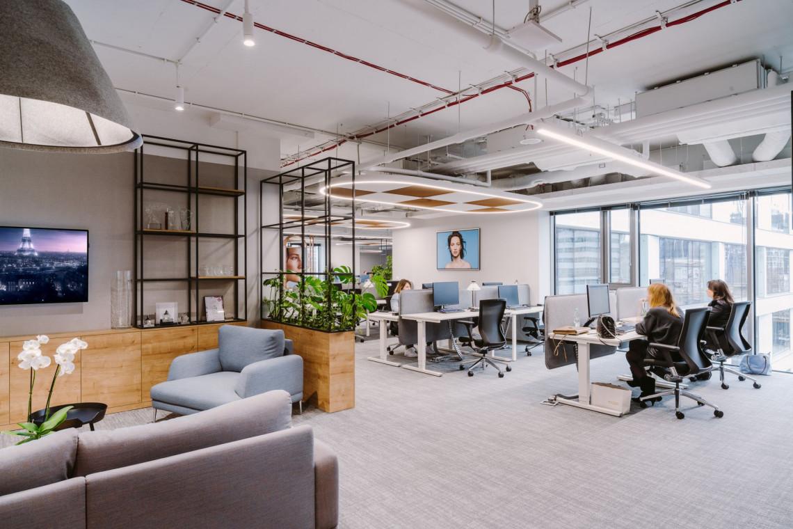 L'Oréal House Warsaw to inspirujące biuro wspierające współpracę i rozwój. Projekt walczy w konkursie Prime Property Prize 2019