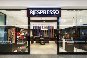 Jedyny w Krakowie butik Nespresso. Wnętrze jest kameralne i przytulne
