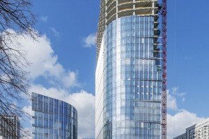 Kolejny stołeczny drapacz chmur z wiechą. Tym razem do góry wzbiło się dzieło Goettsch Partners - Mennica Legacy Tower
