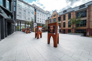 Poznańscy architekci udowadniają, że można zaprojektować ciekawy w formie i zarazem funkcjonalny ekspozytor