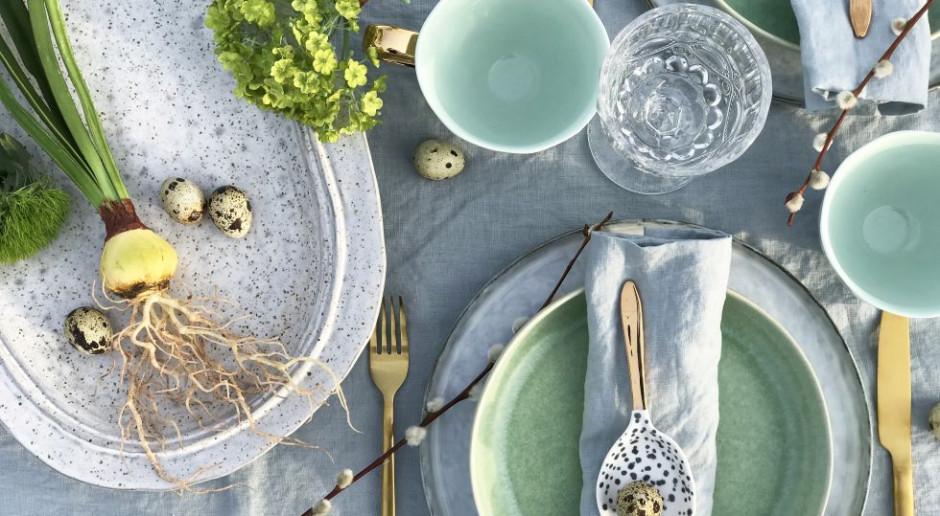 Projektanci aranżują wiosenny stół