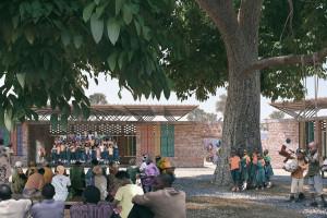 Polscy architekci spędzili kilka miesięcy w Tanzanii. Zaprojektowali wyjątkową szkołę z teatrem