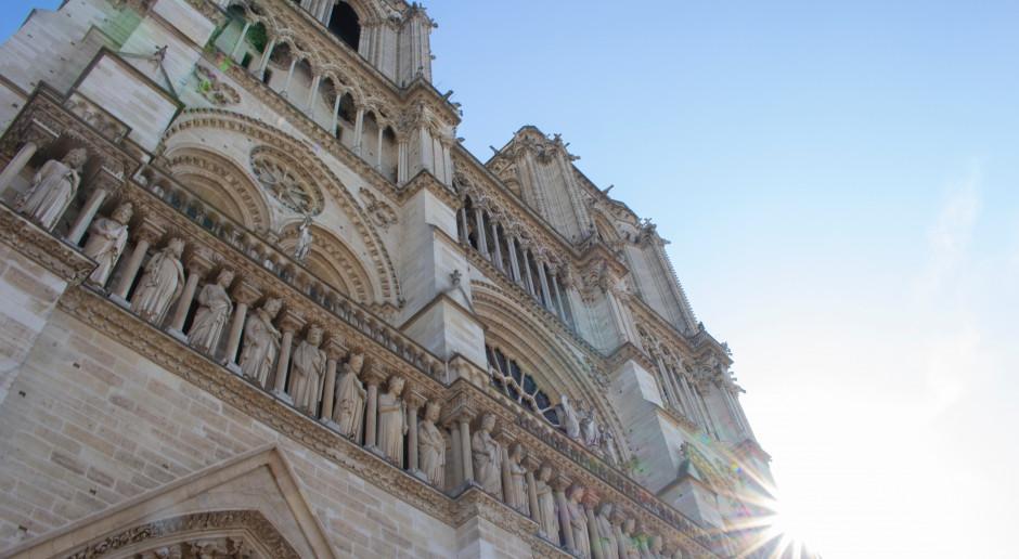 Notre Dame to szuflada pamięci francuskiego gotyku. Odbudowa może trwać lata