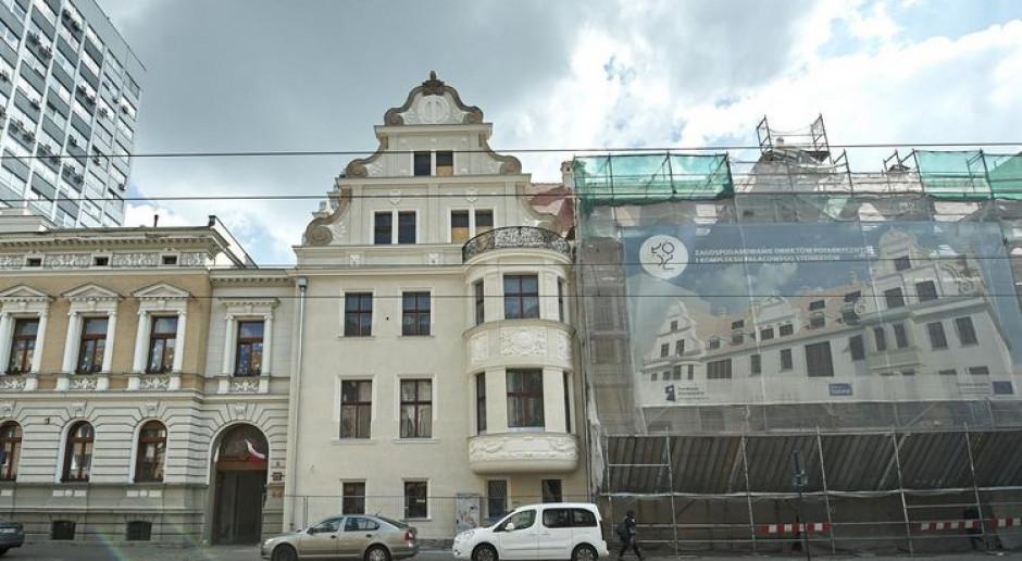 Oto fragment odnowionej elewacji pałacu Steinertów