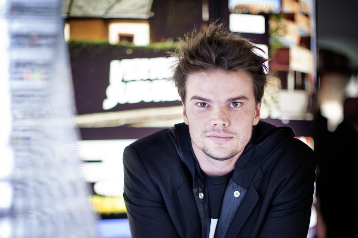 """Od deski kreślarskiej na plan najpopularniejszego serialu świata. Bjarke Ingels, projektant Towarowej 22, wystąpił w """"Grze o tron"""""""
