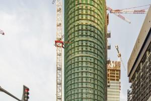 Druga wieża wysokościowca szkicu pracowni AMC Andrzej Chołdzyński z wiechą