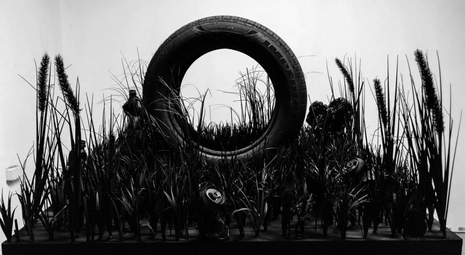 Rzeźby ze stali, obiekty z druku 3D i fotografie o konsumpcjonizmie. Nowa wystawa na placu Europejskim