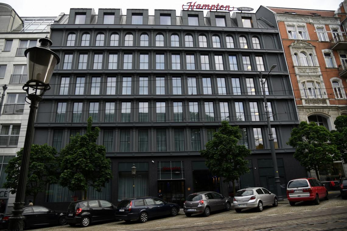 Hotel Hampton by Hilton Poznań Old Town oficjalnie otwarty! Bryłę zaprojektowali AGK Architekci, a wnętrza Inex Design