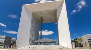 Biurowiec La Grande Arche na nowo