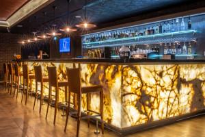Radisson Blu debiutuje w sercu polskich Tatr. Wnętrze zaskakuje miksem stylu skandynawskiego i góralskiego