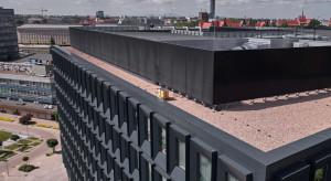 Kolejny biurowiec z ulami na dachu