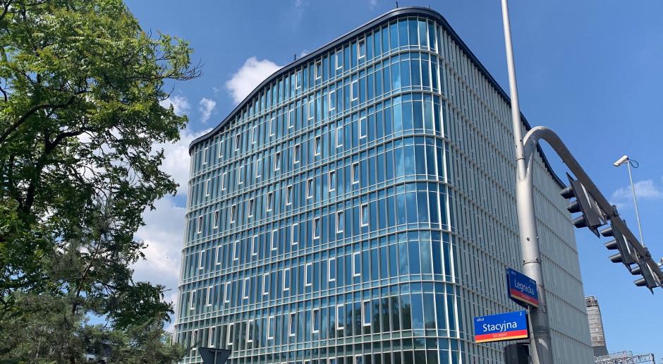 Wrocław zyskał biurowiec w kształcie ekierki