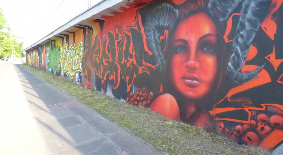 Imponujące graffiti z motywem